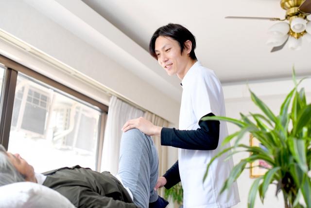 ひざを伸ばすことを意識したストレッチ