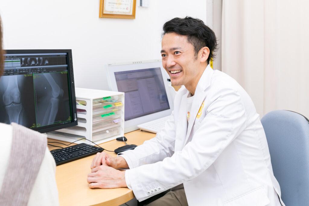 大腿骨顆部骨壊死の症状の進み方と治療方法